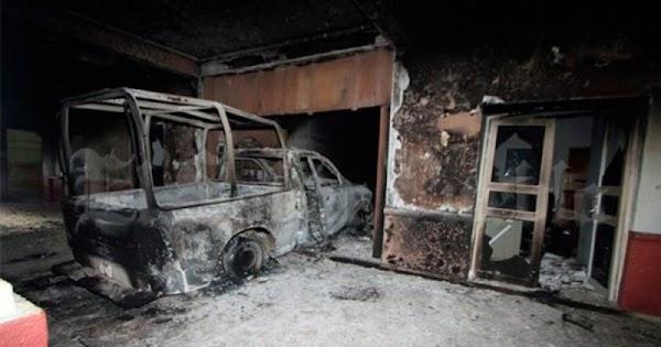 Ciudadanos queman presidencia municipal porque les impidieron linchar a ladrón.