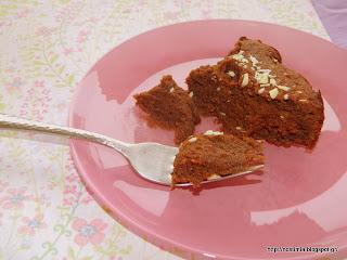 Ζουμερό vegan σοκολατένιο κέικ με τριλογία καρύδας