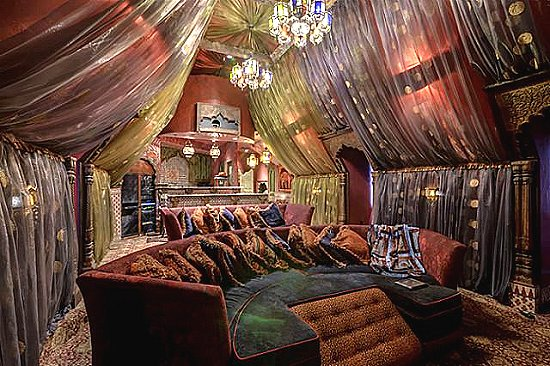 Moroccan decorating ideas   Moroccan decor   Moroccan furniture    decorating Moroccan style   Moroccan themed  Moroccan Bedroom Ideas. Decorating theme bedrooms   Maries Manor  arabian