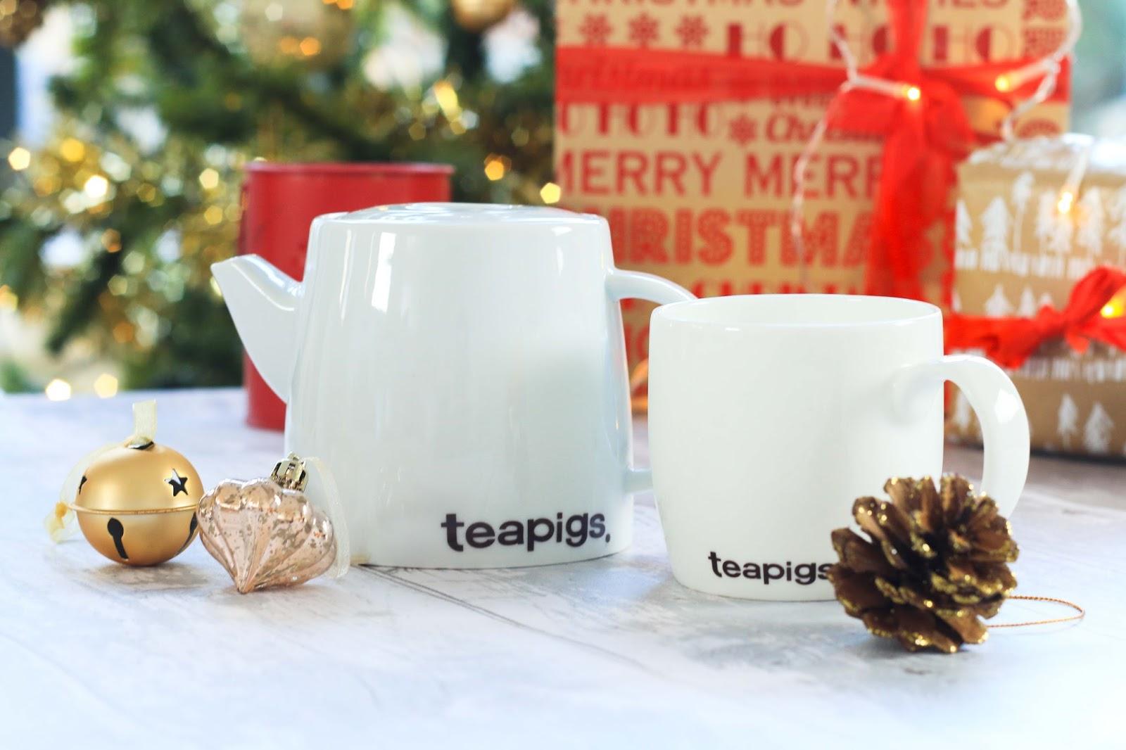 Tea pigs teapot