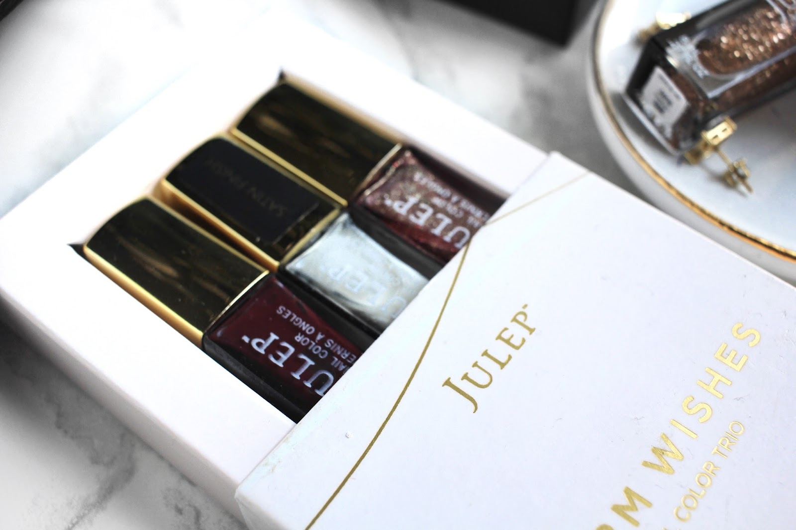 Christmas Gift Ideas: Subscription Boxes | ft. Julep, Monthly Watch Club, MunchPak, AdoreMe, GlossyBox || The Glam Surge