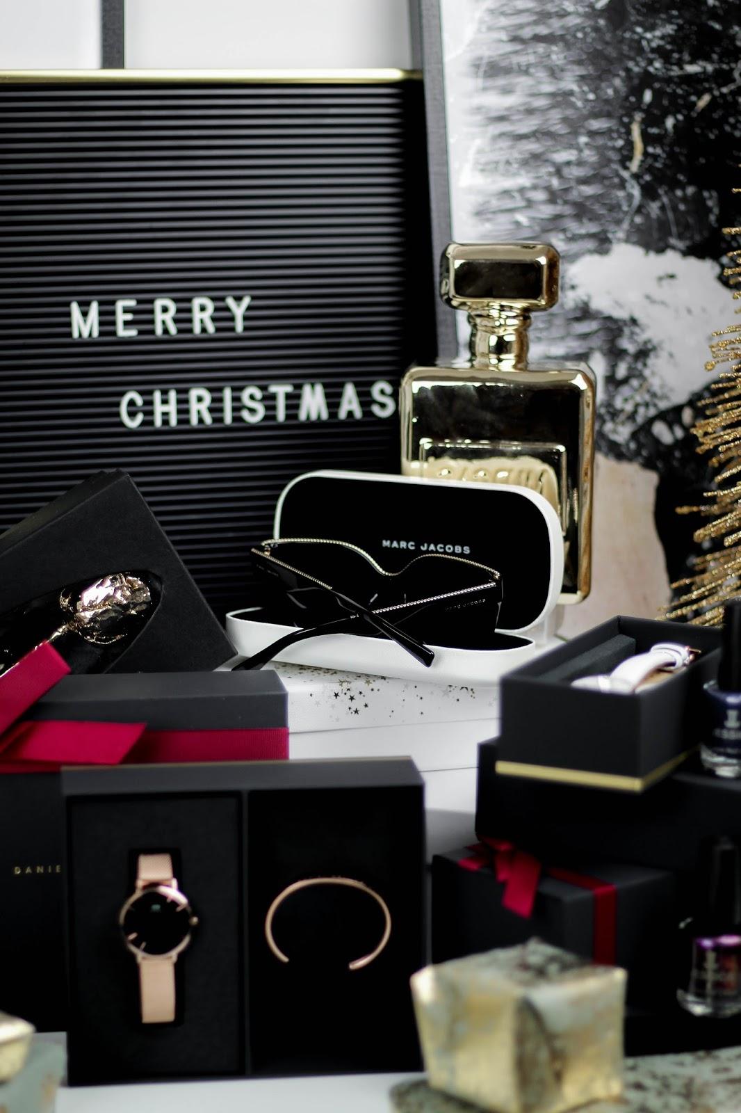 UK Blogger Christmas Gift Guide For Her 2017