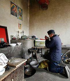 No Henan, a oração está sendo constrangida à clandestinidade