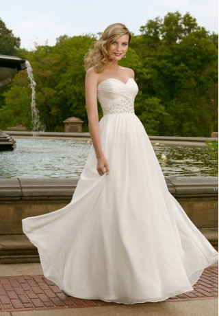 WhiteAzalea Destination Dresses Tips on Choosing the Right Destination Wedding Dresses