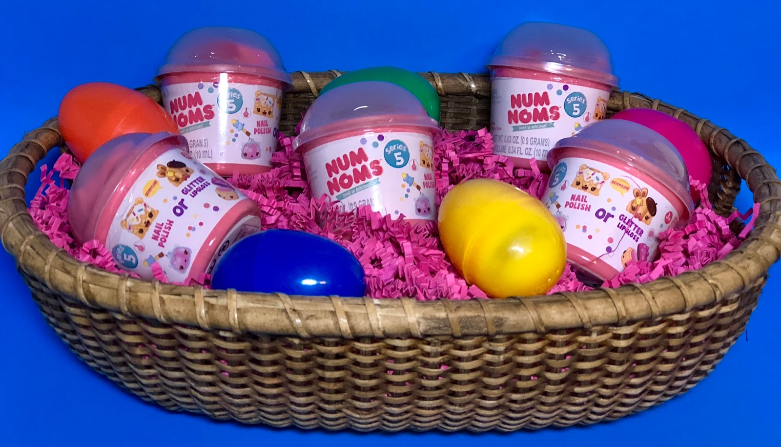 Stacy tilton reviews num noms for easter this year ive decided as part of my daughters easter basket im going to be adding some of the latest series 5 num noms i know she will be super excited negle Image collections