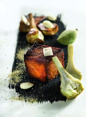 Porc du Limousin caramélisé aux artichauts, amande et réglisse