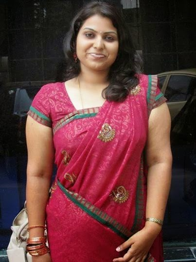 Tamil House Wife Aunties Hot Dressing - Aunties Back Photos-8069
