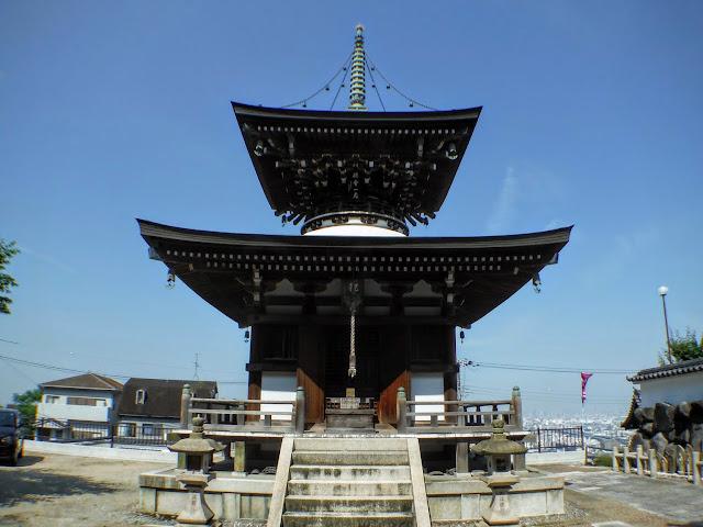 重願寺 多宝塔