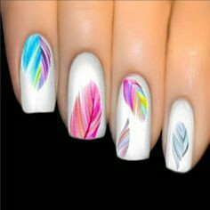 Leaf paint nail arts