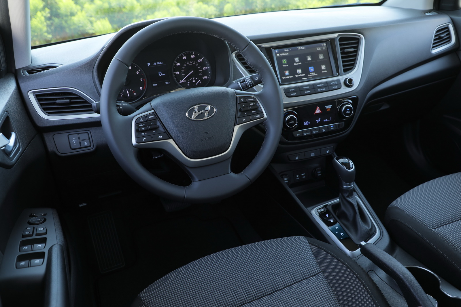 2018 hyundai accent ouches down in the u s 51 pics carscoops. Black Bedroom Furniture Sets. Home Design Ideas