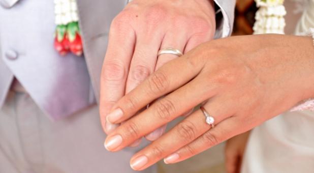 Shkenca: raportet paramartesore çojnë drejt tradhtisë bashkëshortore