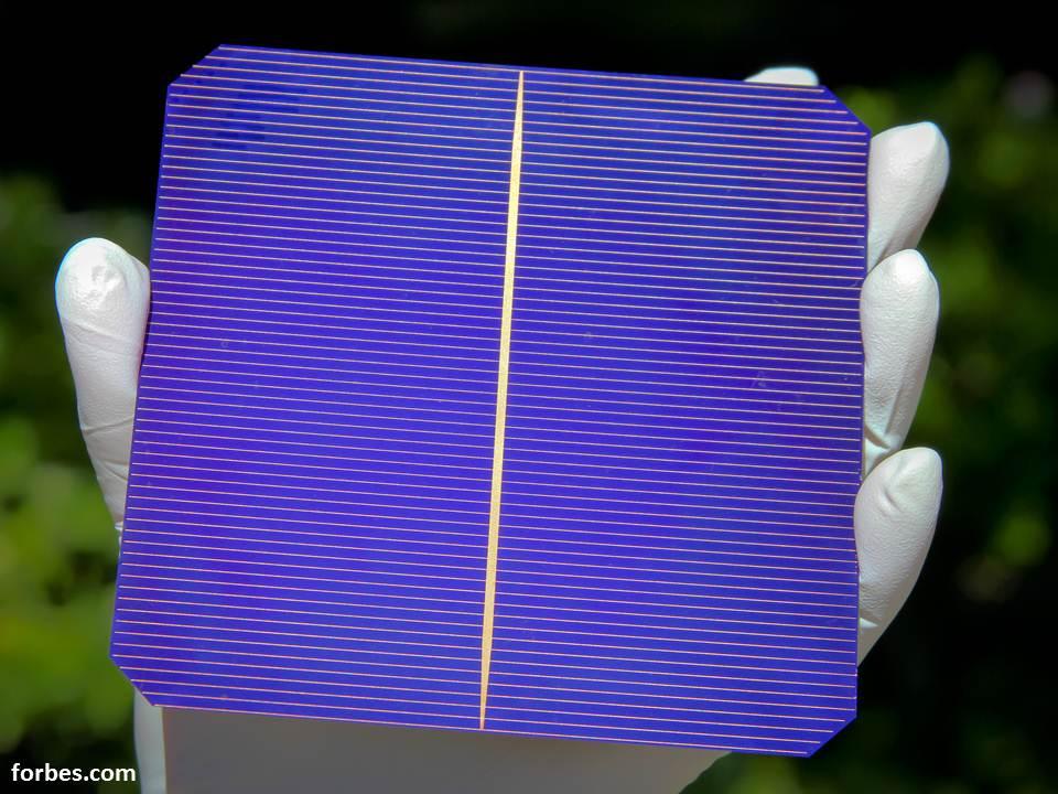 ابتكارٌ جديد يحسن من كفاءة الخلايا الشمسية ويلتقط مجالاً أوسع من الطيف الشمسي !