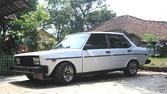 Fiat Mirafiori sedan
