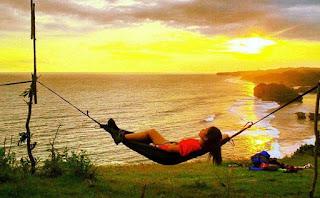 Pesona Sunset Puncak Kosakora (