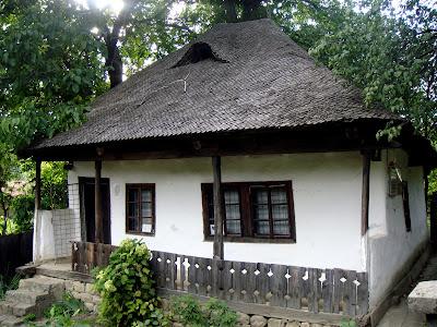 Casa Memorială Moş Ion Roată