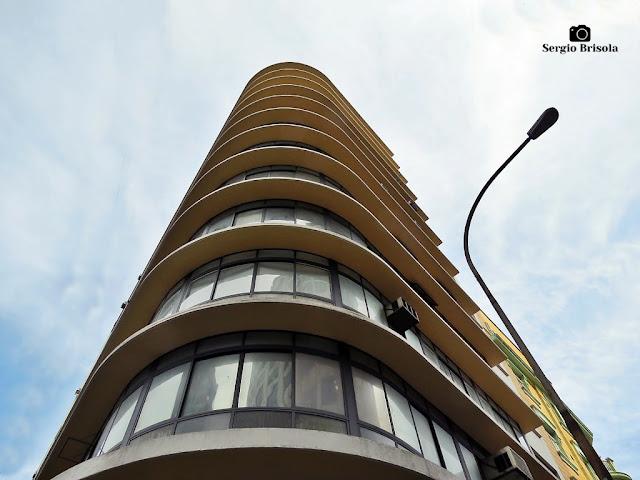 Perspectiva inferior do antigo Edifício XI de Agosto - Sé - São Paulo