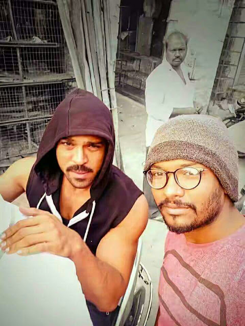 ram charan with fan on the sets of Dhruva