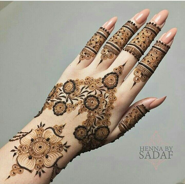 40 Latest Mehndi Designs to try this year | Bling Sparkle