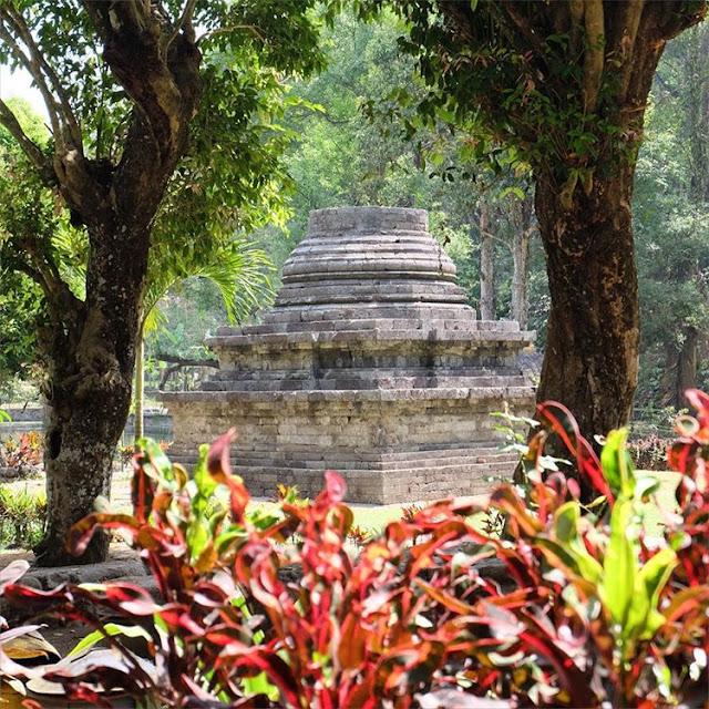 Gambar Candi Stupa Sumberawan