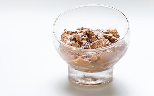 En esta receta os enseño a cómo hacer una mousse de chocolate fácil y deliciosa.