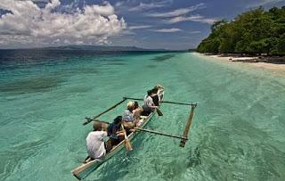 Tempat Wisata di Maluku pantai liang