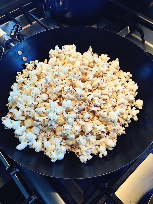 recept zoete popcorn in wok