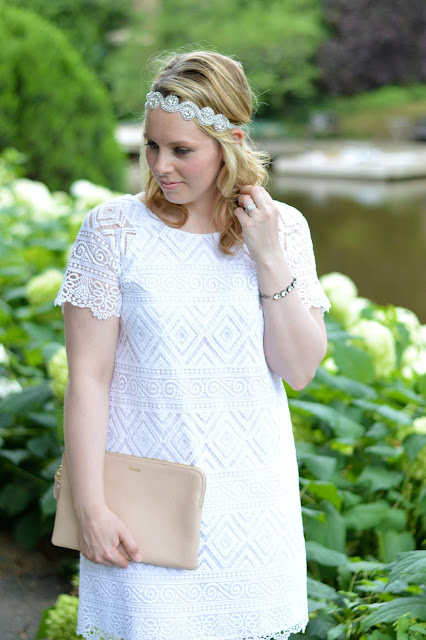 white-lace-dress-outfit