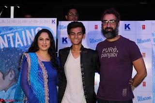 Gracy Singh and Bappi Lahiri   Blue Mountain Music Launch IMG 0555.JPG