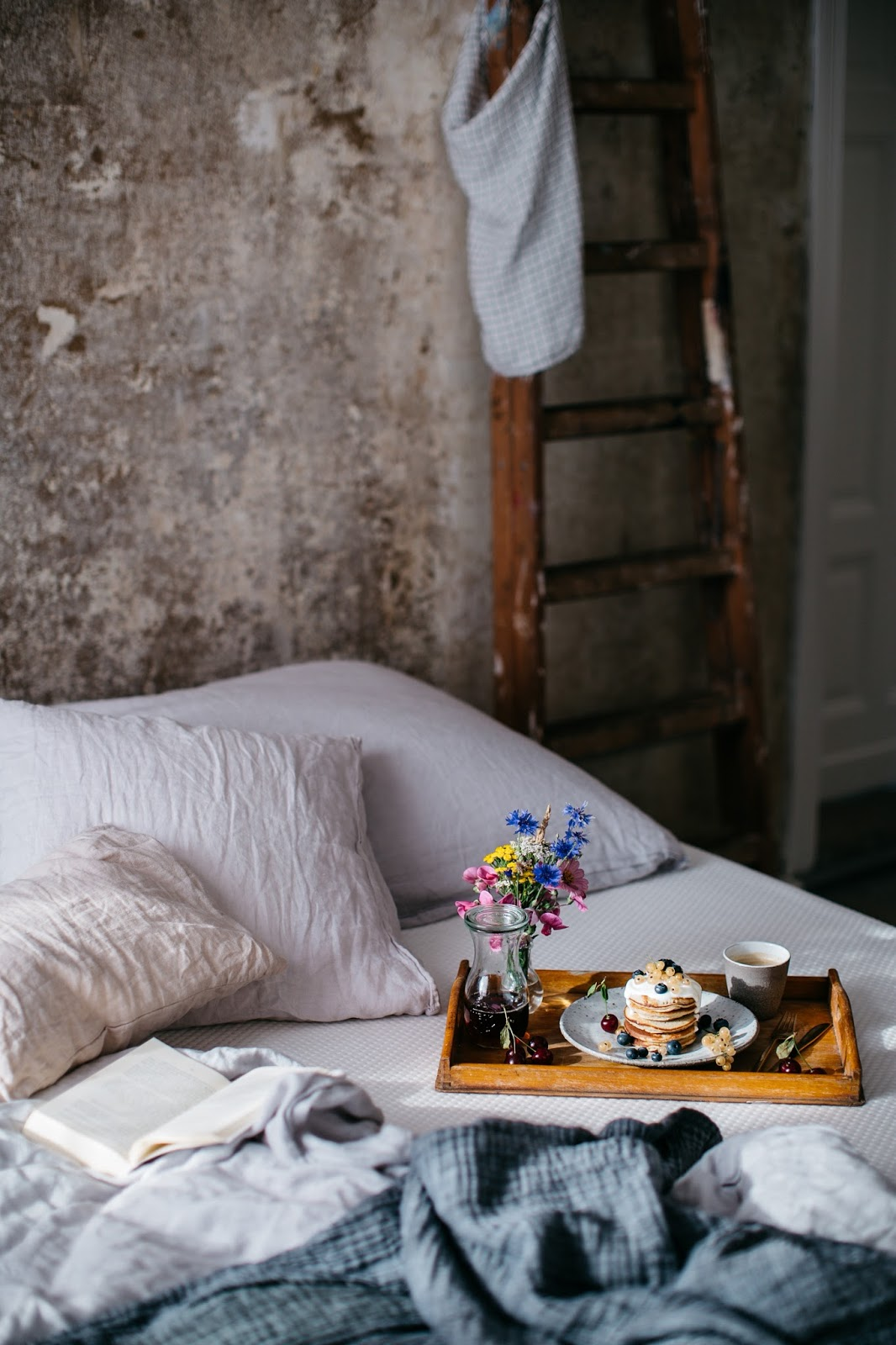 breakfast in bed with our new comfortable muun mattress & delicious ...