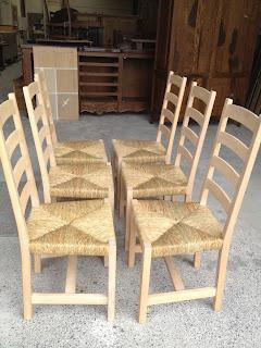 Biezen van stoelen
