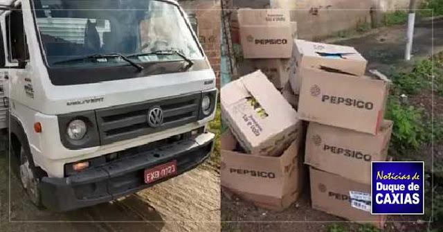 Polícia recupera carga e caminhão na comunidade do Sapinho em Duque de Caxias