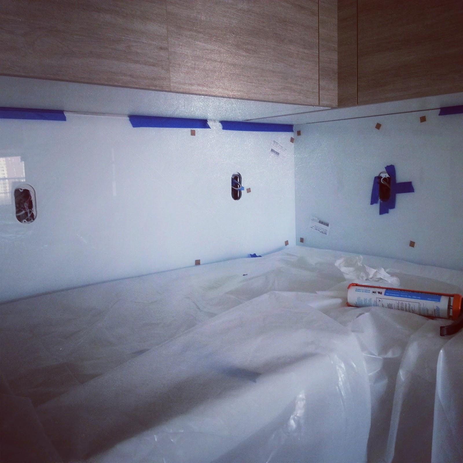 Kitchen Backsplash NY: Glass vs. Acrylic