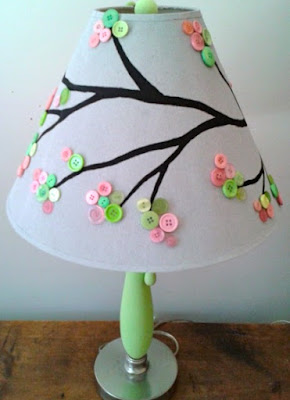 https://bustedbutton.com/2012/05/14/button-tree-lampshad/