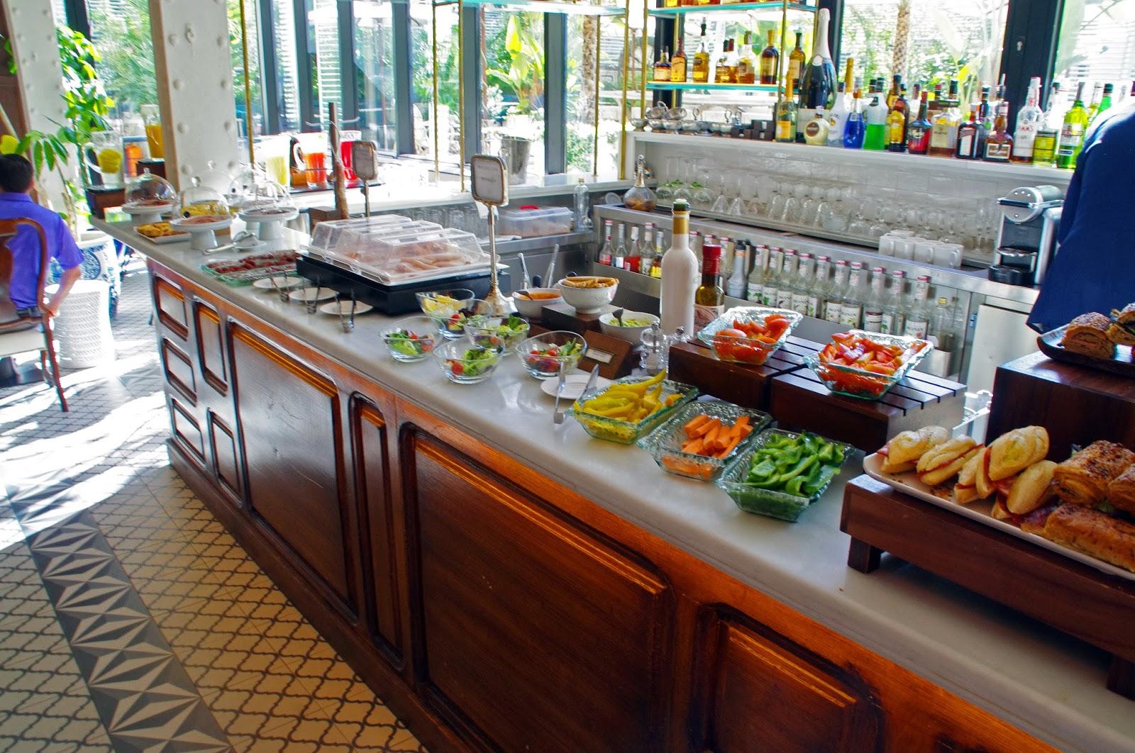 Cotton House Hotel Barcelona Breakfast Bar