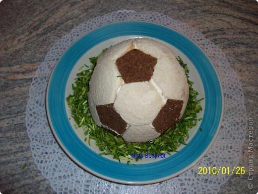 """23 февраля, блюда """"Сфера"""" салат с рыбой, блюда на 23 февраля, для детей, для мужчин, для футболистов, коллекция рецептов, коллекция салатов, оформление блюд, оформление салатов, рецепты, рецепты спортивные, салат с помидорами, салат с рыбой, салат с сардинами, салаты """"Футбол"""", салаты """"Футбольный мяч"""", салаты на 23 февраля, салаты спортивные, салаты фигурные, сардины, советы кулинарные, спорт, футбол, футбольное поле, футбольный мяч"""