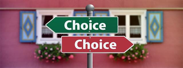 Dwa znaki wyboru w dwie różne strony