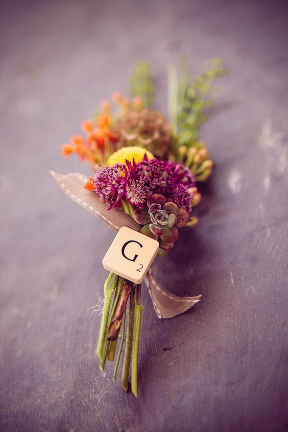 Complemento de boda para el novio con letras del Scrabble