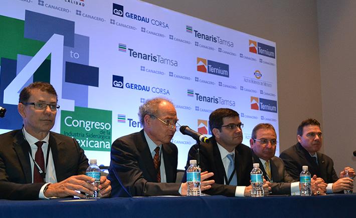 Ceo´s de la industria siderúrgica durante la conferencia de prensa que dieron al término del 4º Congreso de la Industria Siderúrgica. (Foto: VI)