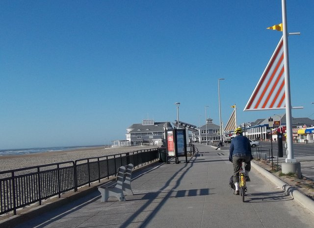 The Hampton Beach Boardwalk In High Season It S A Frenzy Of Sun Seekers