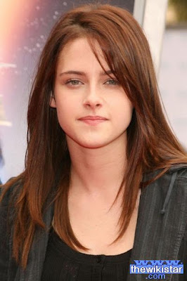 Kristen Stewart, American actress, was born on April 9, 1990, in Woodland in Los Angeles, California.
