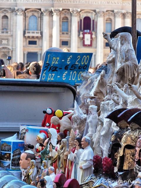 Papa Francisc la balconul Catedralei Sf.Petru-Vatican - blog FOTO-IDEEA