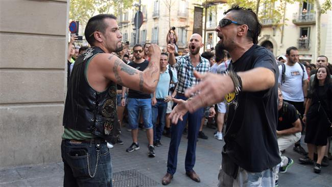 Far-right protesters, anti-fascist rivals scuffle in Barcelona