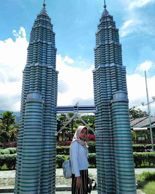 Small World Purwokerto : Twin Tower