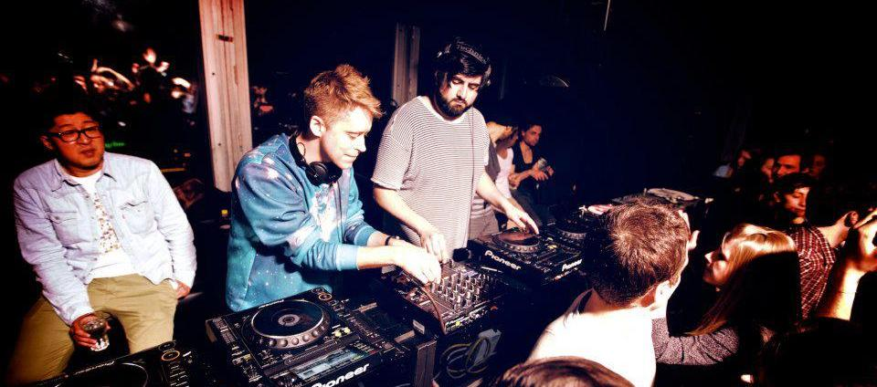 digitalism dj set the loft razzmatazz les trendy kids. Black Bedroom Furniture Sets. Home Design Ideas