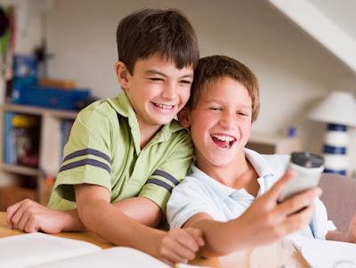 Riesgos smartphone niños