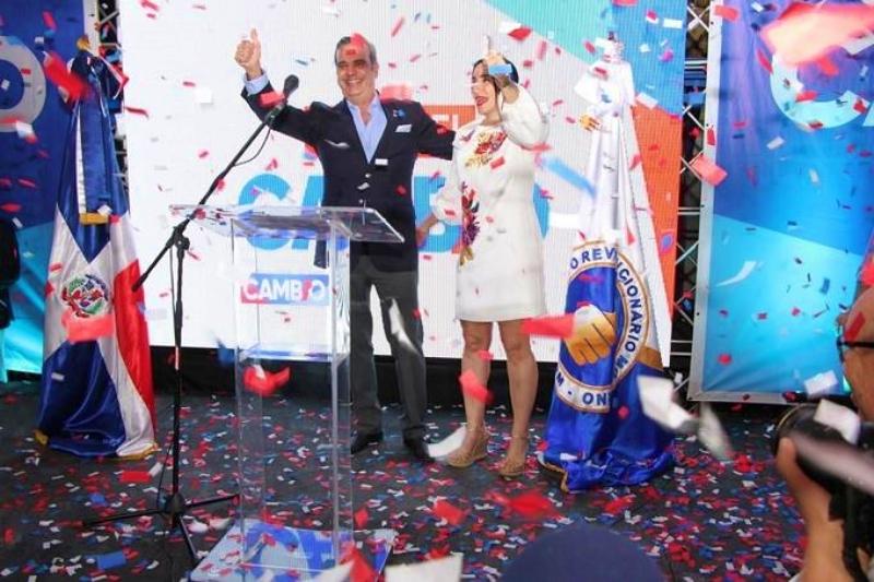 Video: Luis Abinader se proclama ganador por el PRM