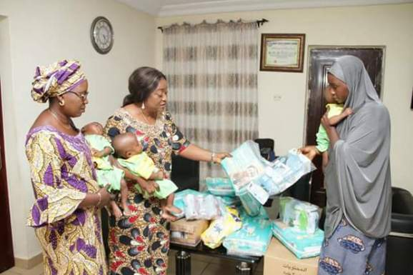 Kogi State First Lady comes to the aid of woman