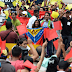 """Colombianos y venezolanos se dieron un """"abrazatón"""" por la paz (Fotos)"""