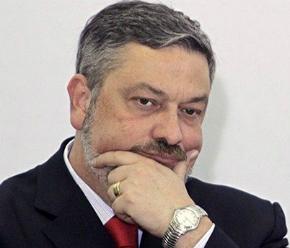 Empresa de Palocci recebeu R$ 81,3 mi de 47 clientes, diz Receita