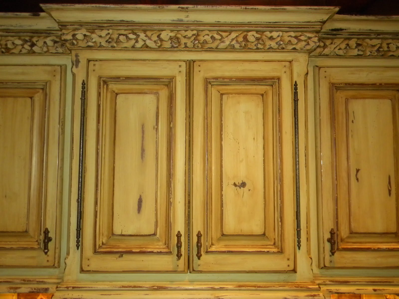 While We Re On The Subject Of Kitchens Here S Most Recent Original Dark Wood Cabinets Were Painted Distressed And Over Glazed